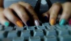 Mains de blogueuse