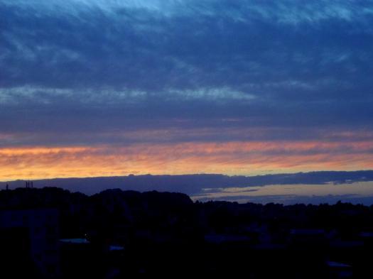 la nuit tombe sur la côte normande