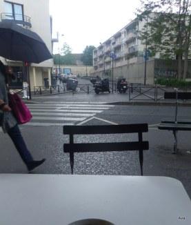 mouvement dans une rue de Paris