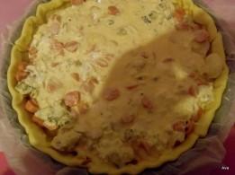 oeufs, gruyère, Saint-Agur, sel, poivre sur la tarte