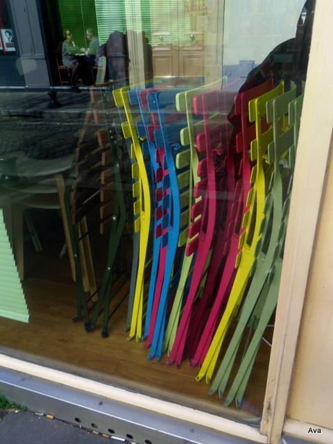 chaises, couleurs