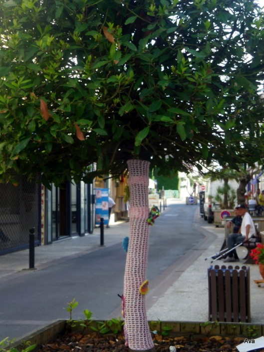 yarnbombing, arbre