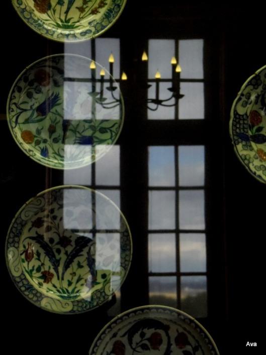 window, plate, castle