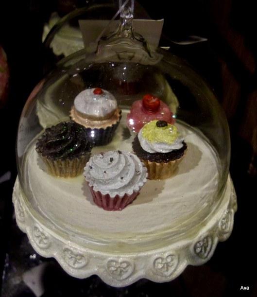 boules de noël présentoir cupcakes