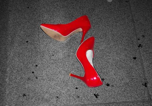 shoes-71074_1280