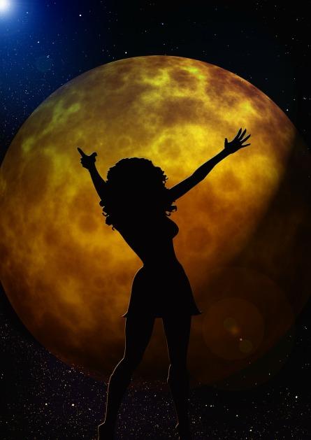 moon-165959_1280