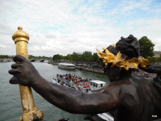pont alexandre III touristes