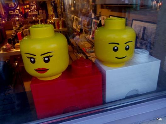 visages jaunes