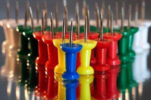 pins-641399_640