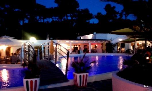 piscine Maison Blanche la nuit