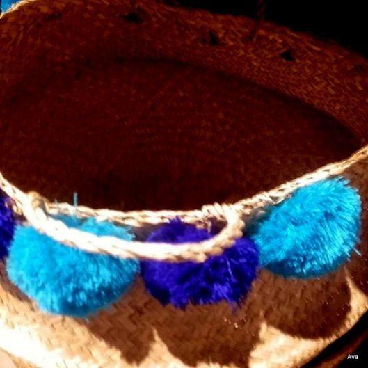 pompons bleus pour la maison