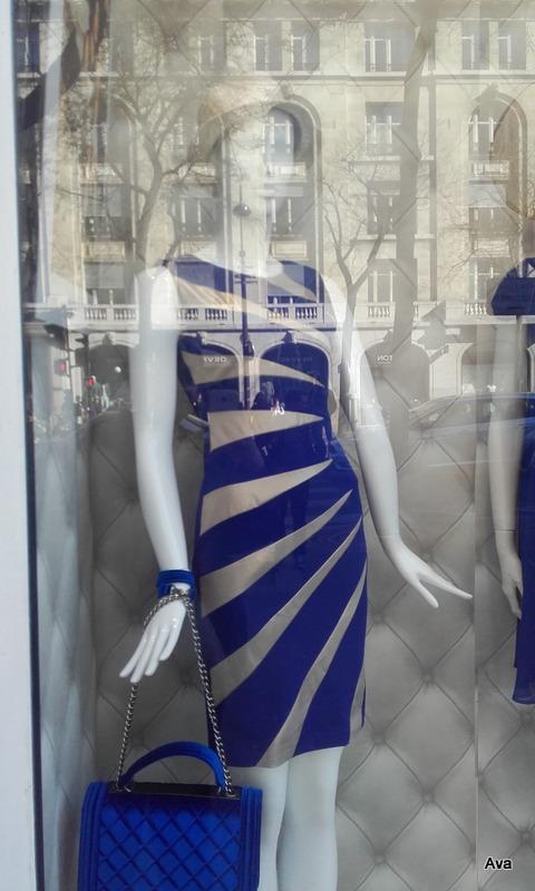 tenue tout en bleu