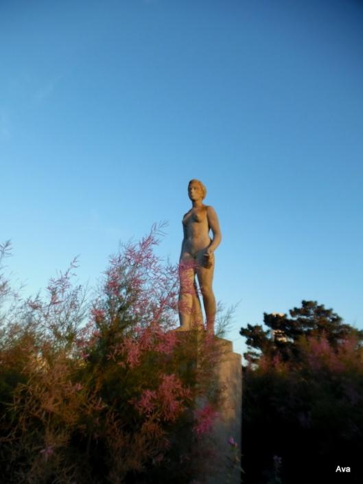statue-plage-de-deauville