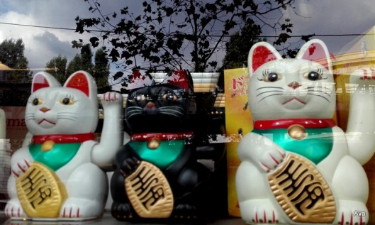 lucky-cats
