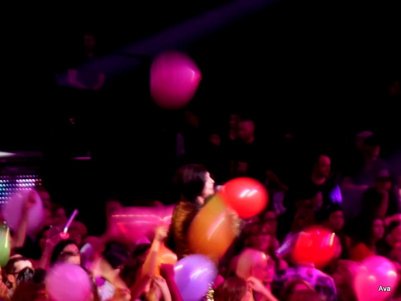 lio-au-milieu-des-ballons