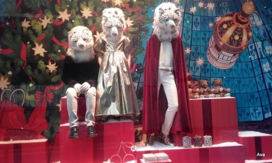vitrines-de-noel-avec-tigres-blancs