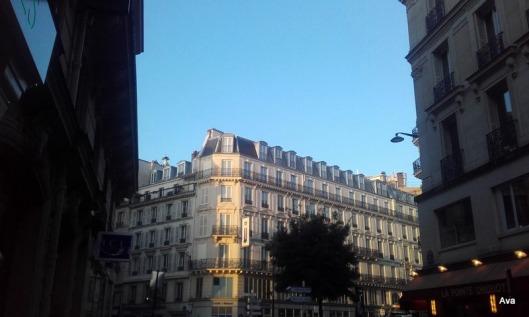 ciel-bleu-sur-paris