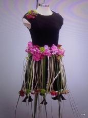 fleurs-sur-petite-robe-noire-5