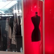 extérieur stand dress in the city
